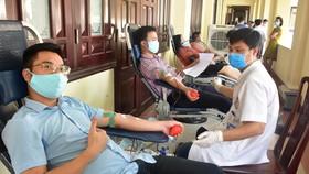 Cán bộ, công chức, viên chức của Văn phòng UBND tỉnh Thừa Thiên - Huế hiến máu cứu người
