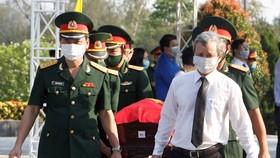 Trang trọng lễ truy điệu và an táng 15 hài cốt quân tình nguyện Việt Nam hy sinh tại Lào 