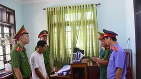 Cơ quan chức năng đọc lệnh bắt giam đối tượng Hoàng Văn Bảo 