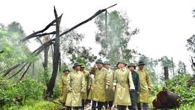 Phó Thủ tướng Trịnh Đình Dũng kiểm tra công tác cứu hộ, cứu nạn tại thủy điện Rào Trăng 3