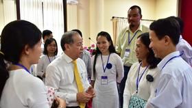 """Ông Phan Ngọc Thọ lắng nghe tâm tư của từng """"Nhà giáo nhân dân"""" """