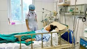 Bệnh viện Trung ương Huế tuyệt đối không để người nhà bệnh nhân vào thăm/chăm bệnh ở các khoa chăm sóc đặc biệt 