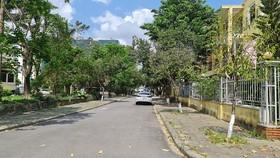 Đường Nguyễn Văn Huyên, TP Huế là một trong các tuyến đường được đề xuất thí điểm việc sử dụng vỉa hè vào mục đích kinh doanh tại TP Huế. Ảnh: THÁI HÙNG