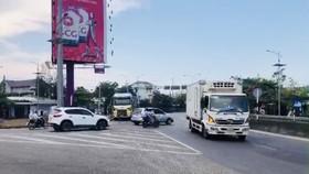 """Né trạm BOT tăng giá """"sốc"""", ô tô ùn ùn vượt đèo Hải Vân"""