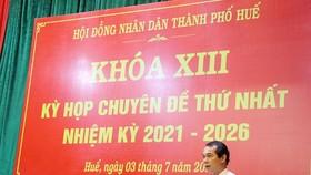 Ông Võ Lê Nhật phát biểu sau khi được bầu làm Chủ tịch UBND thành phố Huế. 