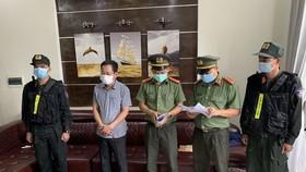 Cơ quan chức năng tỉnh Thừa Thiên - Huế đọc quyết định khởi tố vụ án, khởi tố bị can, bắt tạm giam Trần Xuân Long 