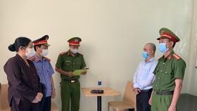Cơ quan chức năng đọc lệnh bắt tạm giam Nguyễn Đình Quý 