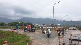 Lều bạt chốt kiểm soát phòng chống dịch Covid-19 xã Lộc Trì, huyện Phú Lộc, tỉnh Thừa Thiên – Huế bị mưa và gió lớn trưa 10-9 thổi bay