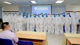 50 y, bác sĩ Bệnh viện Trung ương Huế xuất phát vào TPHCM hỗ trợ chống dịch Covid-19