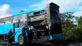 Hiện trường vụ cháy xe khách