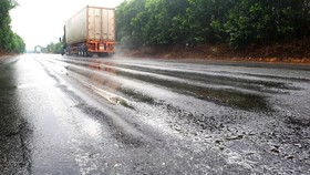 Chi chít vệt hằn lún bánh xe trên Quốc lộ 1A tuyến tránh thị xã Kỳ Anh