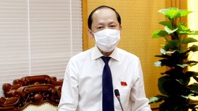 Ông Nguyễn Hồng Lĩnh, Phó Chủ tịch UBND tỉnh Hà Tĩnh phát biểu nhận nhiệm vụ