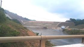 Một góc phía hạ du hồ chứa nước Ngàn Trươi