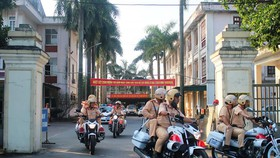 Lực lượng CSGT Công an Hà Tĩnh ra quân kiểm tra đảm bảo trật tự an toàn giao thông trên địa bàn