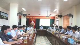 Sở Y tế Hà Tĩnh tổ chức họp trực tuyến triển khai các biện pháp cấp bách phòng, chống dịch Covid-19