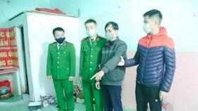Nghi phạm Phạm Quang Mậu tại hiện trường. Ảnh: Công an Hà Tĩnh cung cấp