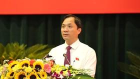 Đồng chí Hoàng Trung Dũng, Bí thư Tỉnh ủy, Chủ tịch HĐND tỉnh Hà Tĩnh khóa XVIII phát biểu tại kỳ họp