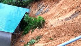 Hiện trường sạt lở làm sập tường nhà anh Nguyễn Đình Đức