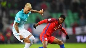 Anh (đỏ) sẽ không khó vượt qua Slovenia. Ảnh: Getty Images