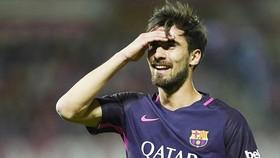 Gomes khẳng định không nói xấu Messi lẫn HLV Valverde. Ảnh: Getty Images