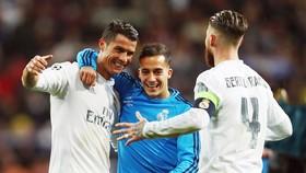 Ramos dành cho Ronaldo (trái) nhiều lời khen. Ảnh: Getty Images.