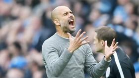 HLV Pep Guardiola nhiều lần phải bày tỏ thất vọng trước các cơ hội bị bỏ lỡ. Ảnh: Getty Images