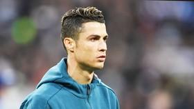 Ronaldo thuật lại giây phút bàng hoàng bị cảnh sát có súng kiểm tra. Ảnh: Getty Images