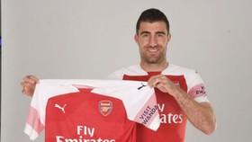 Sokratis Papastathopoulos sẽ bổ sung chất lượng và kinh nghiệm cho Arsenal. Ảnh: Getty Images