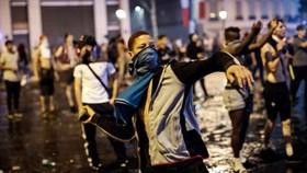 Bạo loạn sau chức vô địch của Pháp. Ảnh: Getty Images