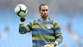 Mất Claudio Bravo là điều mà HLV Pep Guardiola chưa bao giờ nghĩ đến. Ảnh: Getty Images