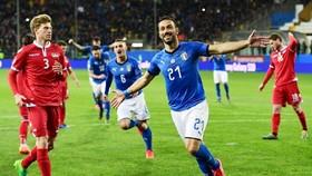 Fabio Quagliarella trở thành cầu thủ lớn tuổi nhất ghi bàn cho tuyển Italia. Ảnh: Getty Images