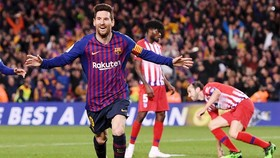 Lionel Messi mừng bàn thắng trong ngày thiết lập kỷ lục. Ảnh: Getty Images