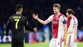 Cristiano Ronaldo đã có những tác động quan trọng đến quyết định của Matthijs de Ligt. Ảnh: Getty Images