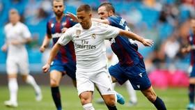 HLV Zinedine Zidane tin Eden Hazard sẽ bùng nổ trong trận derby Madrid đầu tiên. Ảnh: Getty Images