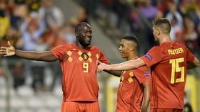 Romelu Lukaku xuất sắc cùng tuyển Bỉ giành tấm vé đầu tiên. Ảnh: Getty Images