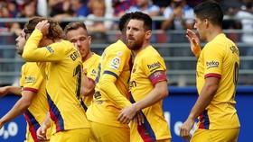 Lionel Messi trở lại và ghi bàn để giúp Barca thẳng tiến lên ngôi đầu. Ảnh: Getty Images