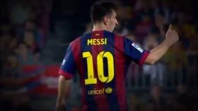 Lionel Messi ra dấu từ chối thay người hồi năm 2014.