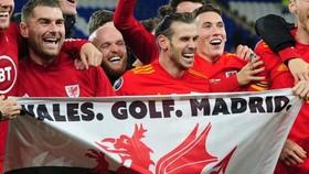 Màn ăn mừng tranh cãi của Gareth Bale. Ảnh: Getty Images