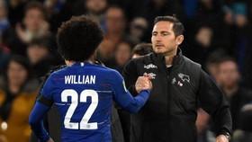 HLV Frank Lampard khẳng định Chelsea cần bổ sung thêm những ngôi sao có đẳng cấp như Willian. Ảnh: Getty Images