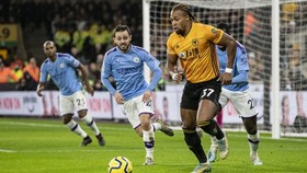 Adama Traore sau 2 lần hạ gục Man.City, lần này sẽ đe dọa Liverpool?. Ảnh: Getty Images