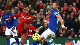 Sau thảm bại 2-5 ở lượt đi tại Anfield, giờ Everton có thể phải nhìn Liverpool đăng quang ngay trên sân nhà. Ảnh: Getty Images