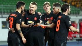 Man.United thắng trước những khán đài trống tại LASK Linz. Ảnh: Getty Images