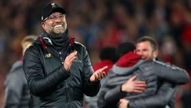 Bất chấp có ngân quỹ tốt từ thành công trên sân cỏ, Ban lãnh đạo Liverpool vẫn quá… thực tế. Ảnh: Getty Images