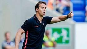 HLV Julen Lopetegui cảnh báo việc thúc đẩy cầu thủ trở lại sau dịch bệnh là thách thức rất lớn. Ảnh: Getty Images