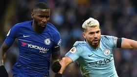 Sergio Aguero (phải. Man.City) và Antonio Rudiger (Chelsea) là 2 trong nhiều ngôi sao công khai lo lắng về sự an toàn. Ảnh: Getty Images