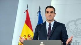 Thủ tướng Tây Ban Nha, Pedro Sanchez tin La Liga sẽ sớm trở lại. Ảnh: Getty Images