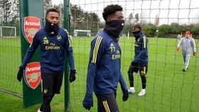 Tập luyện an toàn sẽ là bước đi đầu tiên của bóng đá Anh. Ảnh: Getty Images