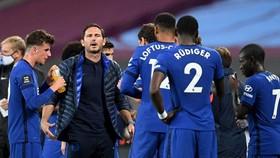 HLV Frank Lampard đánh dấu một năm dẫn dắt Chelsea bằng chiến thắng vang dội. Ảnh: Getty Images