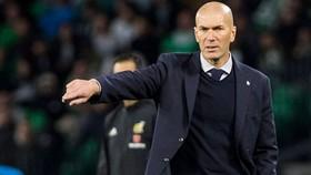 HLV Zinedine Zidane sẵn sàng kiên nhẫn trong một mùa giải. Ảnh: Getty Images