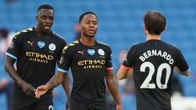 Raheem Sterling giúp Man.City đại thắng, nhưng suất dự Champions League vẫn chưa chắc chắn. Ảnh: Getty Images